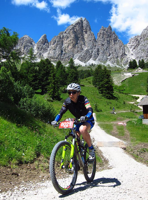 afterhero_dantercepies_ride_sellaronda_hero_23